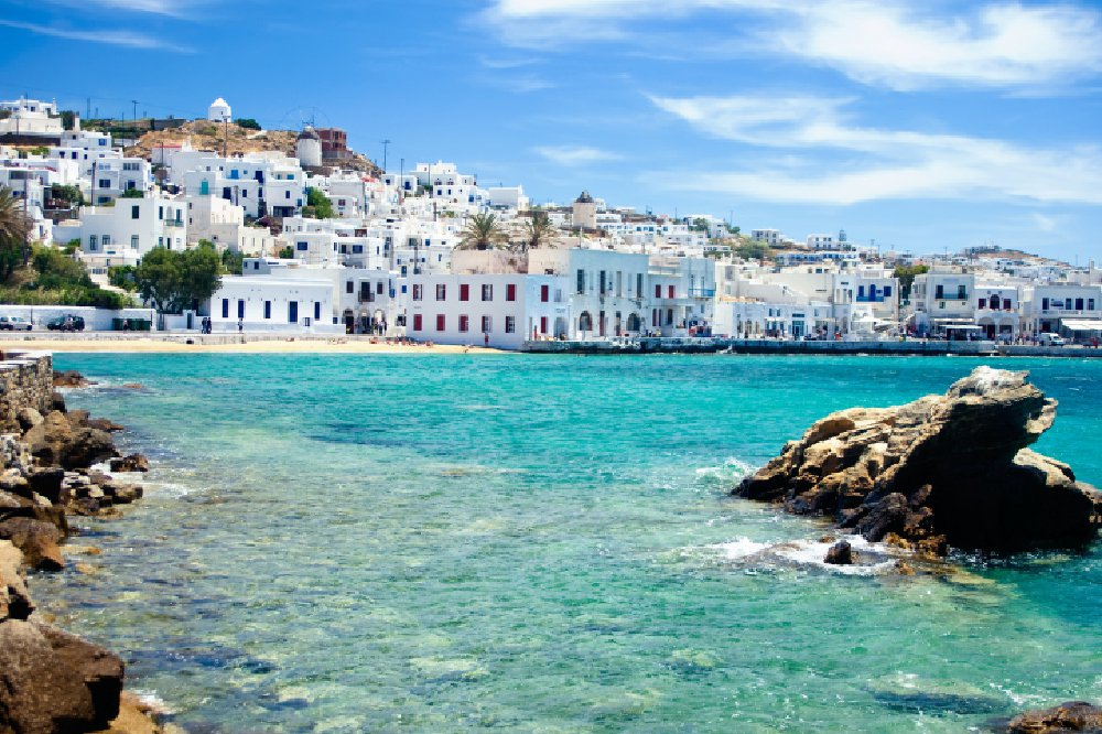 coast-of-mykonos-town